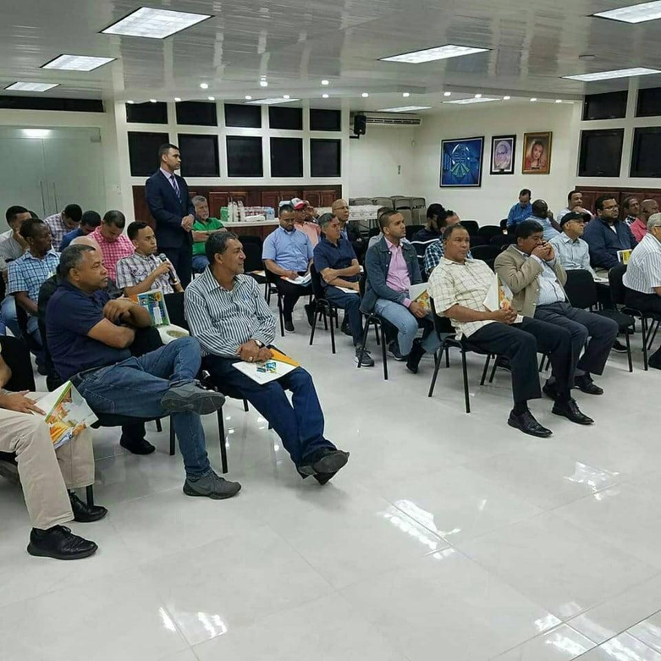 Charla en Santiago de los Caballeros (R. Dominicana)